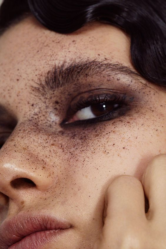 <p>Stippled freckled looks come together in this story from Hannah Khymych</p>