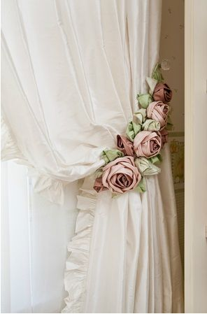 How gorgeous are these...I can see these on my white drapes so will have to learn how to make them....you cannot buy anything this pretty!!!!::