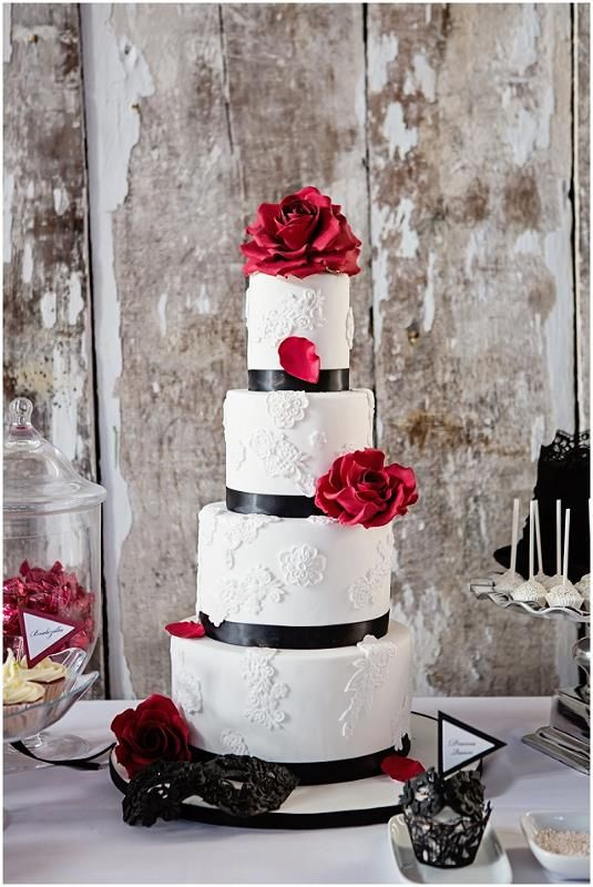 Contemporary Princess - This cake combines the classic black, white and red colour #WeddingCakes www.finditforweddings.com