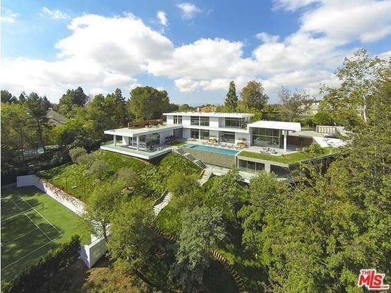 Beyoncé and Jay Z renting $150K-a-month LA home