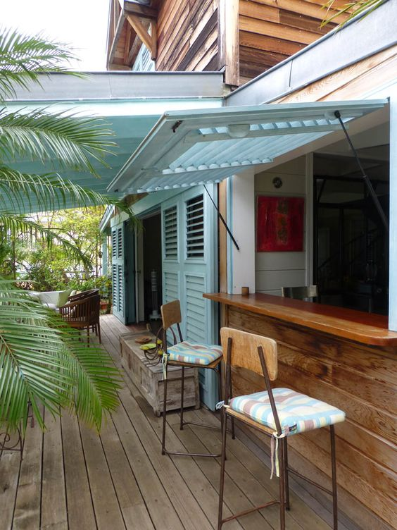 Cuisine and bar on pinterest for Constructeur de maison en bois ile de la reunion