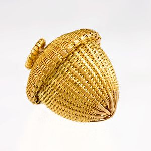Description: Pendant - hand woven, hand fabricated, 18k & 22k yellow goldDimensions: H:2.40 x W:2.40 x D:2.40 Centimeters