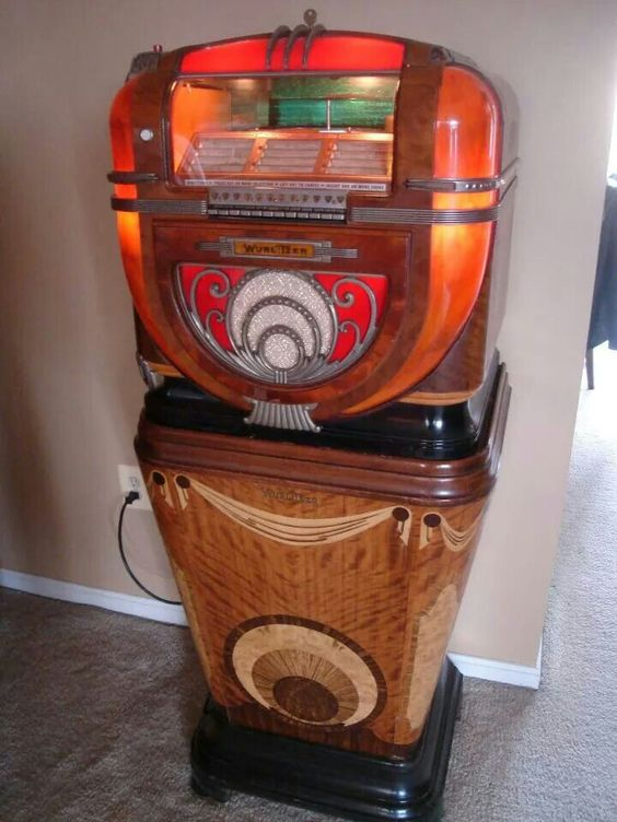 wurlitzer model 81 on model 810 stand jukebox. Black Bedroom Furniture Sets. Home Design Ideas