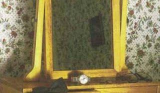 Ah! E se falando em madeira...: apoio para espelho com gavetas, projeto gratuito no blor