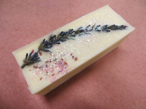 Lavendel Badestange von #Verzaubereien Naturkosmetik Manufaktur www.verzaubereien.de