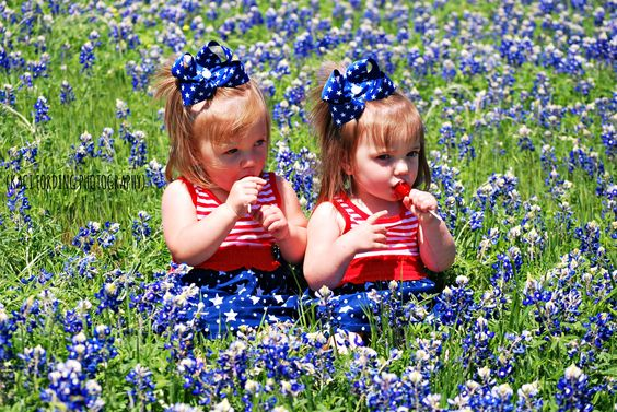 Twins Preslee & Avery, enjoying some suckers in the bluebonnets, Collin County, TX Copyright 2013 Kaci Fording Photography