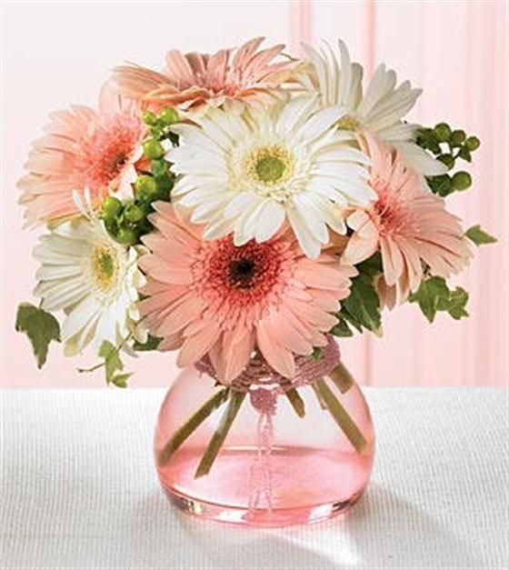 My all time favourite flowers - Gerbera & Daisies - Love the arrangement of these - gorgeous for a summers day