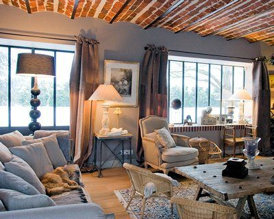 salon cosy et campagne chic dans une ancienne ferme maison de r ve pinterest chic. Black Bedroom Furniture Sets. Home Design Ideas