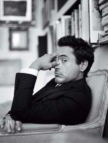 Robert Downey Jr. http://media-cache5.pinterest.com/upload/120189883774952121_rQroLFr8_f.jpg mc1r photography black and white