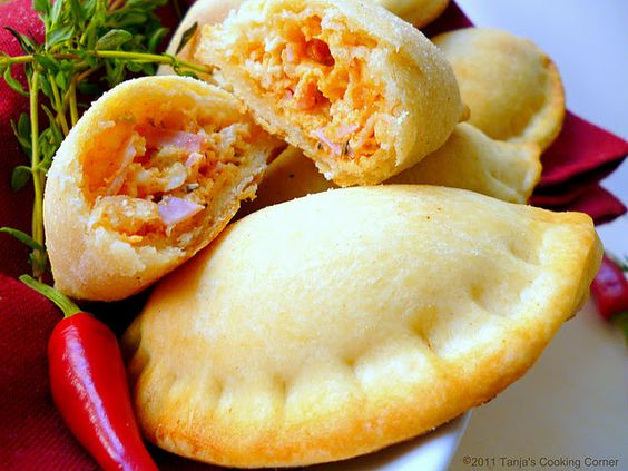 Spicy Ham and Cheese Empanadas. Great appetizer. Party food. Yum!