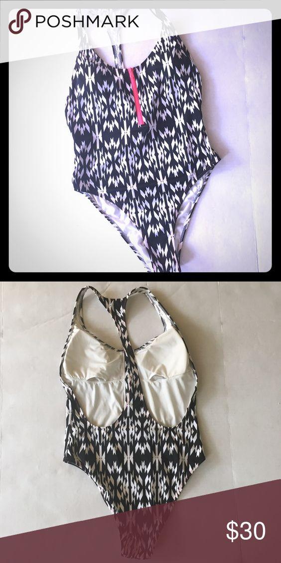 Victoria Secret High Cut Bathing Suit VS high thigh cut bathing suit. Geometric Victoria's Secret Swim Bikinis