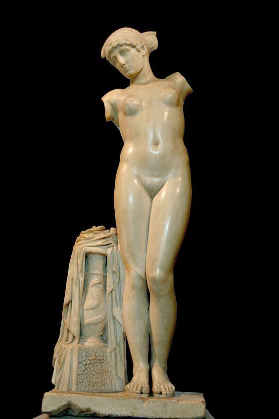 Venus Esquilina. Mármol anónimo, c. 50 d. C. (Museos Capitolinos, Roma)