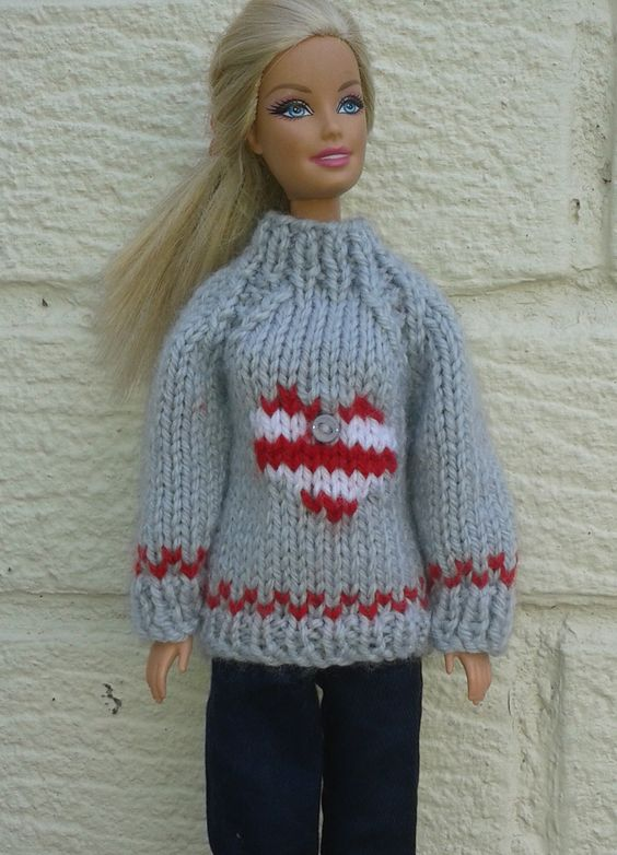 Knitting Pattern Barbie Jumper : Barbie Christmas heart sweater Knitting pattern on Ravelry Punto para Barbi...