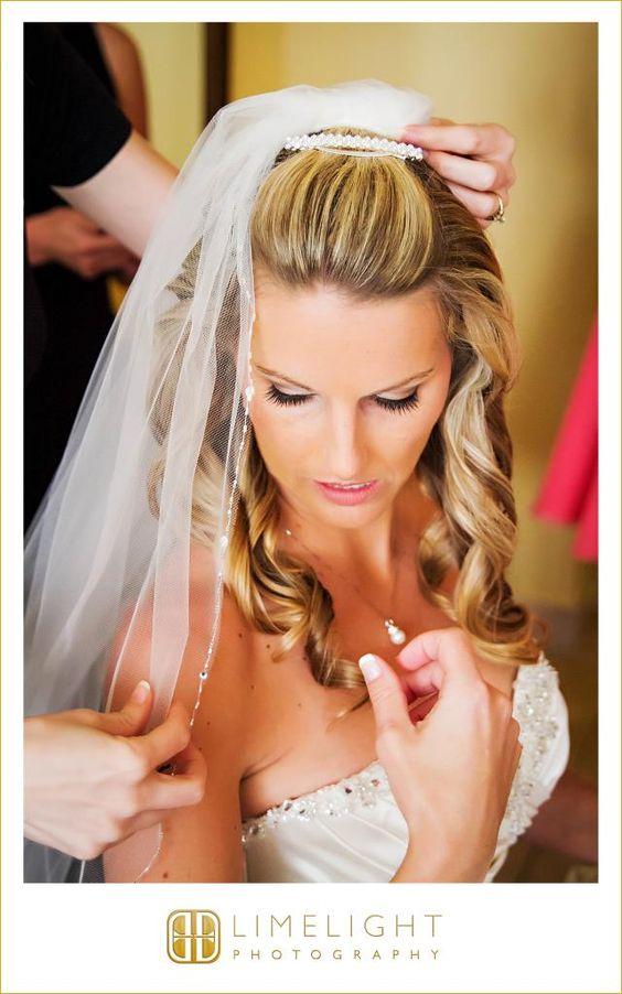 Bride, Getting Ready, Veil, Portrait, Tradewinds Island Resort, Details, Wedding Photography, Limelight Photography, www.stepintothelimelight.com