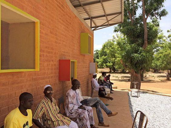 Klinik von Francis Kere in Burkina Faso eröffnet / Operieren in Afrika - Architektur und Architekten - News / Meldungen / Nachrichten - BauN...