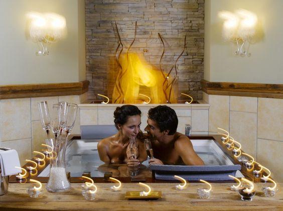 Romantische Stunden im Whirlpool