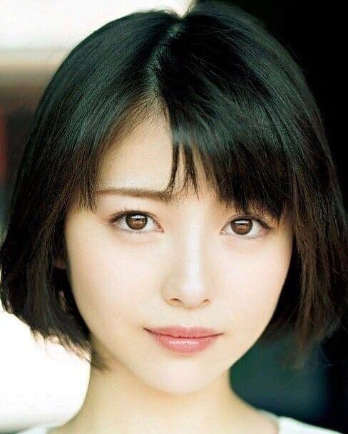 lovely phots2さんはinstagramを利用しています 浜辺美波 minamihamabe ジャパニーズビューティー 美髪 ショートのヘアスタイル