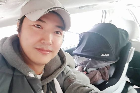 Yoon Sang Hyun Introduces His Adorable Son