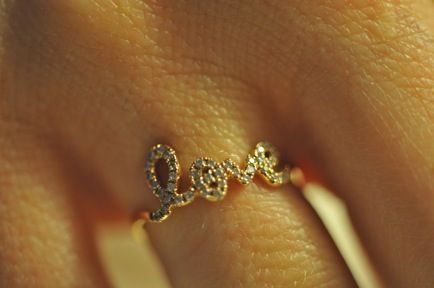 """Ry if you are looking, i want the """"love"""" ring from XIV Karats in LA {kisses}!"""