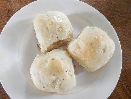 Recept verse uien- knoflookbroodjes