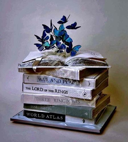 Book cake created by Ron Ben-Israel Cakes: http://www.cakewrecks.com/home/2015/8/9/sunday-sweets-for-book-lovers-day.html