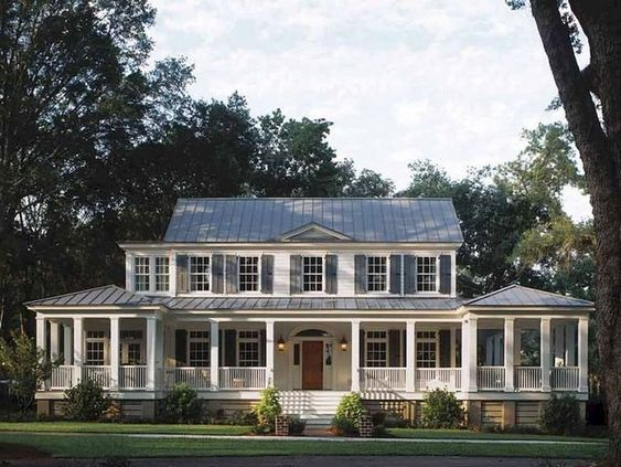 Nice 51 Stylish Farmhouse Exterior Design Ideas More At Https Decoratrend Com 2018 12 24 5 Porch House Plans Southern Living House Plans Country House Plans