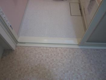 浴室の入口の段差無くしたいですよね マンションでは 鉄筋床スラブ