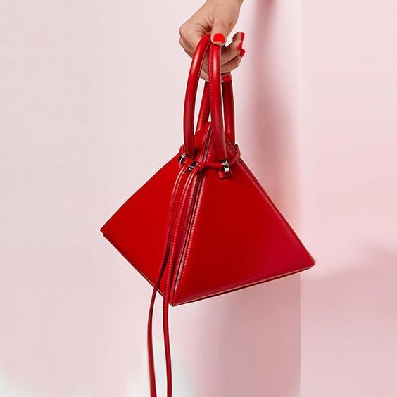 Red Round Handle PU Leather Pyramid Clutch Bag #bag #outfitoftheday #lookoftheday #fashionblogger #photooftheday #pvc #bucketbag #clearbagtrend #pvcbag #pvcbagtrend #clearbag #clearpurse #handbag #handbagaddict #purseaddict #bagtrendy #bagtrends #forsale #slingbag #handmade #sidebags #fashionstyle #luxurybrand #luxurybags #fashionable #womenaccessories #shoppingonline #lvbags #neverfullbag #nanonoebag #highqualitybag #highquality #instastyle #luxurygoods #seller #fashionshow #totebag #trendy #fa