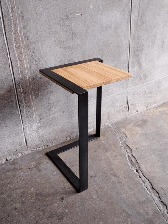 The Brink Cantilevered End Table par StockpileDesigns sur Etsy, $400.00