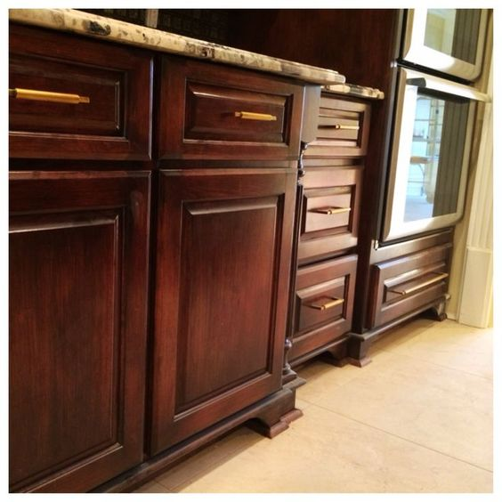 Faux Paint Kitchen Cabinets: Awesome Mahogany Faux Finish On Painted Cabinets. By