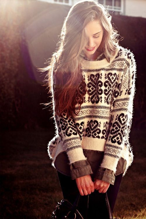gorgeous black/white fall sweater