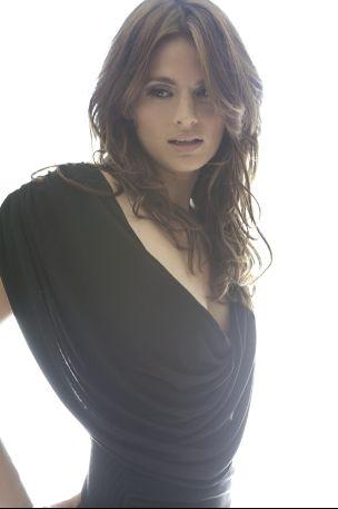 Stana Katic <--seriously <3