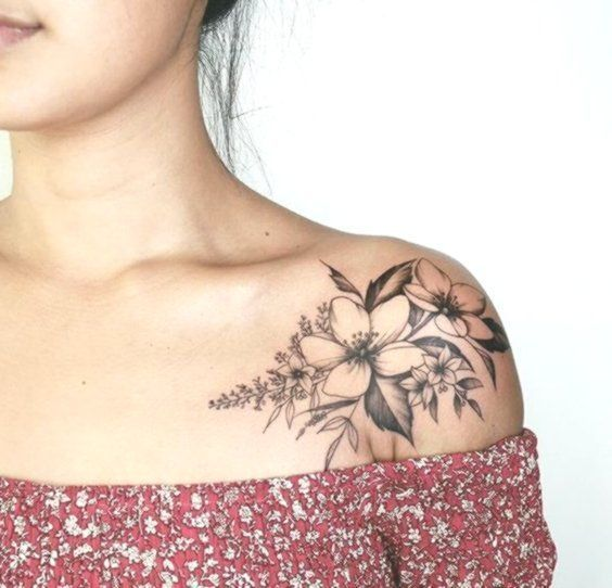 42 Amazing And Meaningful Collar Bone Tattoo For Women Tattoo Amazing Collar Meanin In 2020 Collar Bone Tattoo Bone Tattoos Shoulder Tattoos For Women