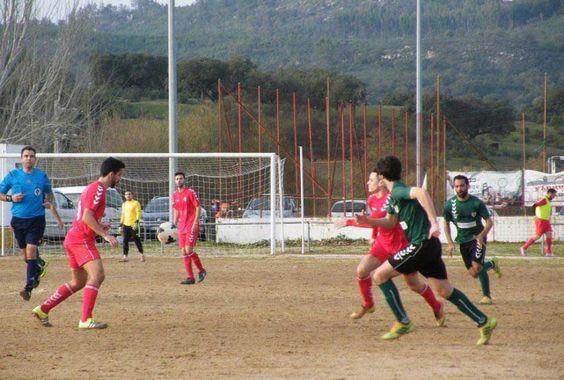 Futebol/Seniores: Mosteirense nova vitória e é cada vez mais líder | Portal Elvasnews