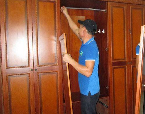 Cách tháo lắp tủ quần áo dễ dàng