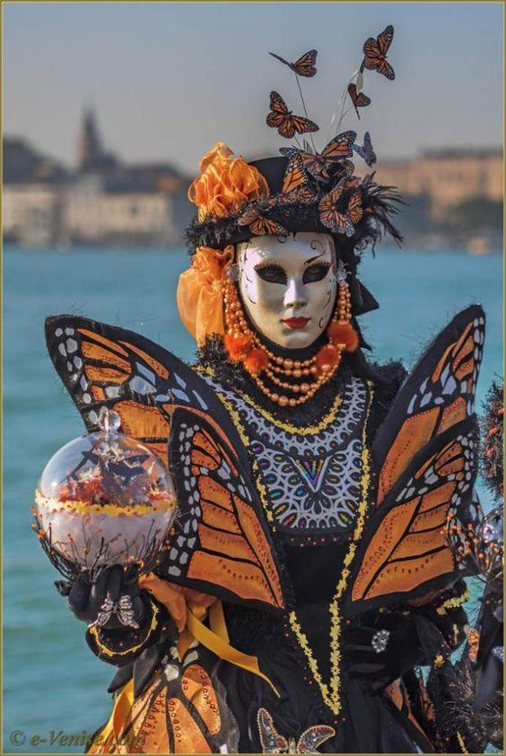 carnaval de venise les masques et costumes venetian masks pinterest costumes and et costume. Black Bedroom Furniture Sets. Home Design Ideas