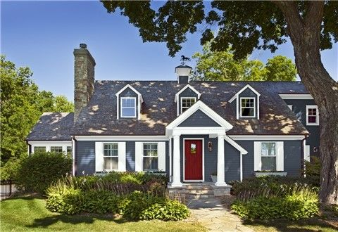 Look At The Paint Color Combination I Created With Benjamin Moore V House Paint Color Combination House Paint Exterior Exterior House Paint Color Combinations
