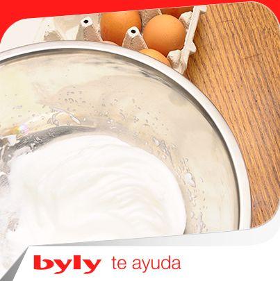 Foto: Cuando vayas a montar las claras de huevo a punto de nieve, añádeles una pizca de sal. ¡Verás el resultado! Y tú, ¿cómo haces para que te queden mejor? ¡Cuéntanos tus trucos!