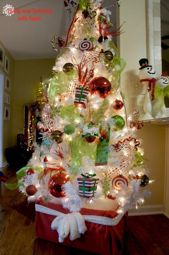 Diy Christmas Tree Stand 1 Wrap An Old Cardboard Box