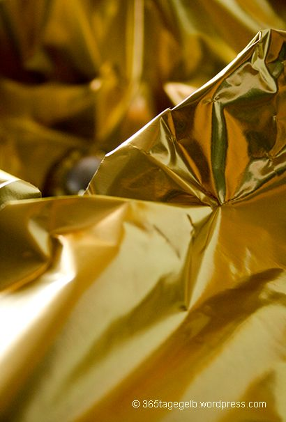 Gold, Goldfarben, Goldfolie, Goldgelb // © 365tagegelb.wordpress.com