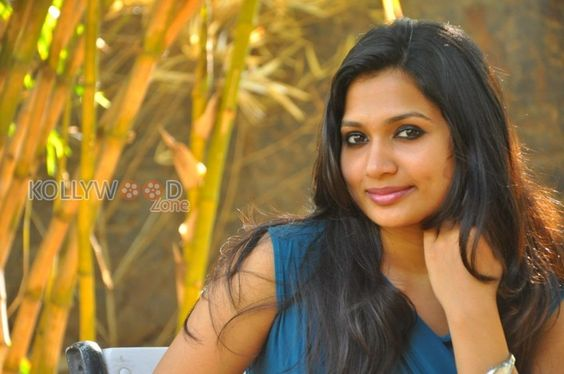 Latest photos of Actress Niranjana See more pictures at http://www.kollywoodzone.com/cat-niranjana-5976.htm