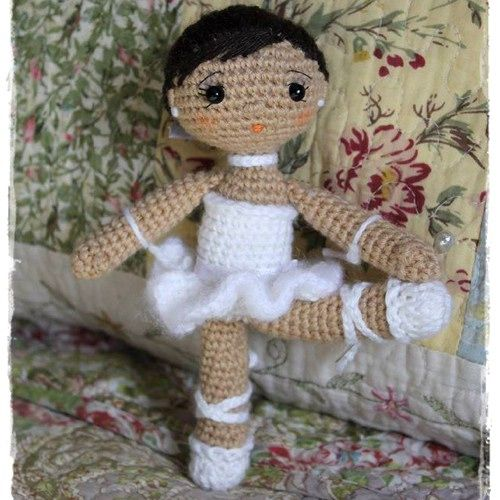 Crochet Pattern Brisa The Ballerina Amigurumi Doll : Patrones, Dancers and Red on Pinterest