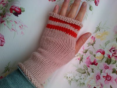 Sweet knitted mittens using the magic loop method.