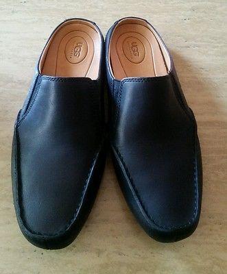 UGG Australia Black Leather Moccasin Loafers slip on Size10.5 s/n 1622