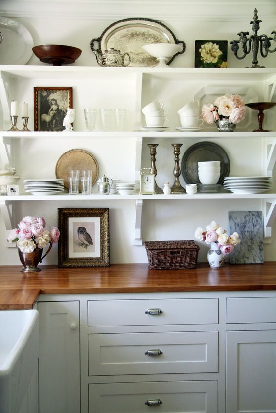 Open shelving is kitchen. This is beautiful and gives me an idea of what I can do with our open shelves!