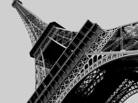 Torre-Eiffel-Paris-Franca - Um grande símbolo da engenharia e uma das atrações turísticas mais visitadas no mundo, a Torre Eiffel encanta a todos. Localizada no Champ de Mars, ao lado do Rio Sena, em Paris, foi construída para comemorar o centenário da Revolução Francesa e ser o destaque da Exposição Universal de Paris de 1889.
