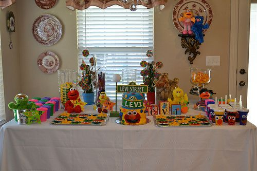 Sesame Street Birthday... Great ideas to decorate here.  Also, I can use her stuffed animals and make a small station with all the characters. :)