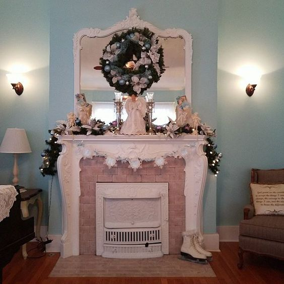 The mantle at Southard House, brought back from Paris by the Southard family circa 1906, is the focal point of many events, photo sessions and holiday decorating. #bedandbreakfast #weddingphotography #enidok #Christmas