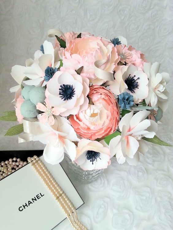 Beautiful paper bouquet as a fresh flower alternative. By PaperANDPeony. | via 40 Alternative Wedding Bouquets | http://emmalinebride.com/planning/alternative-bouquet-ideas/