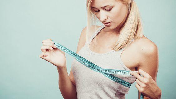 Brust trainieren: Fitness-Übungen für einen größeren Busen - Frauenzimmer.de